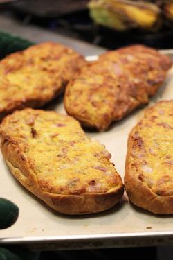 Gooey Cheddar Bread 2