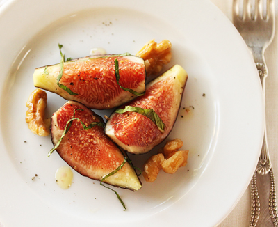 Fig Salad with Walnuts and Mint 2