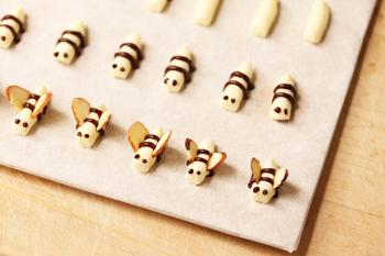 Piping Bees 6