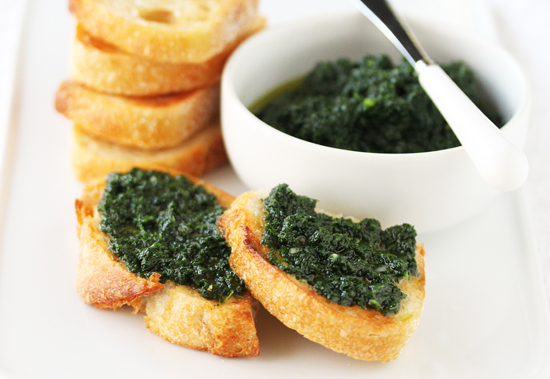 Post image for Garlic Buttered Crostini with Rustic Kale Pesto