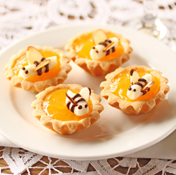 Mini Lemon Curd Tartlets with Buttercream Bees