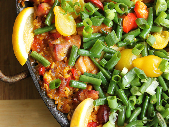 Post image for Sizzlin' Spanish Paella with Chicken & Chorizo from Grace-Marie's Kitchen at Bristol Farms