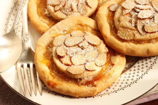 6Mozza Orange Marmalade and Almond Crostate