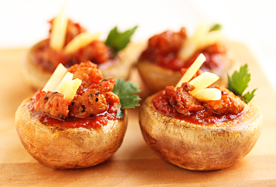 Post image for Spicy Sausage Pizza Stuffed Mushrooms