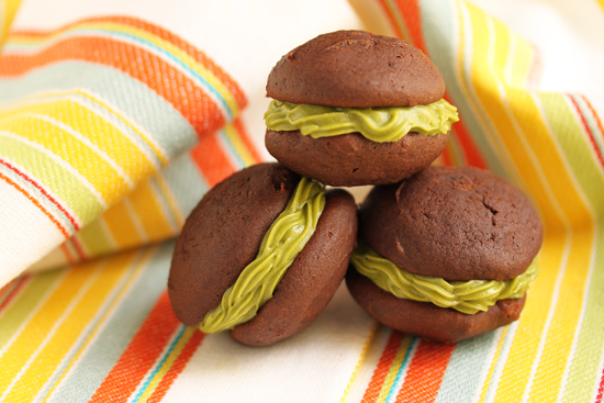 Chocolate Sandwich Cookies with Matcha Cream Filling 4