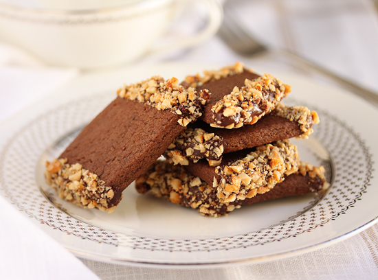 Post image for Chocolate Peanut Butter Cookies Dipped in Chocolate & Honey Roasted Peanuts