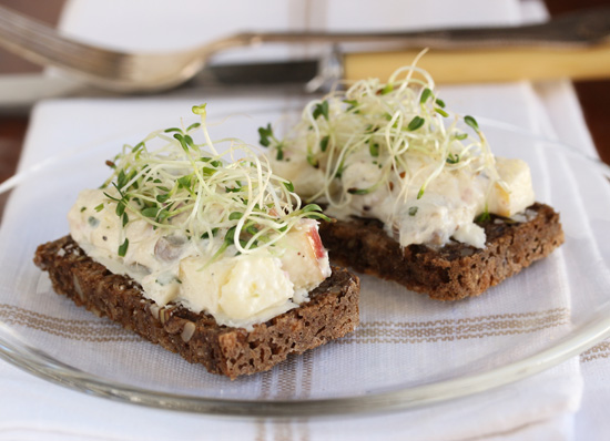 Post image for Danish Smørrebrød ~ Herring & Apples on Rye