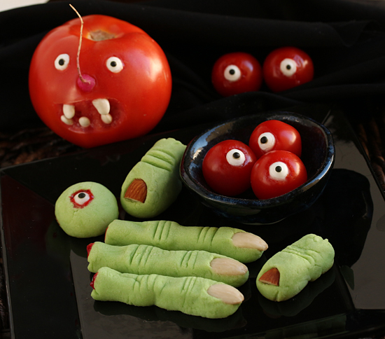 Post image for Witches Fingers & Apple Lips