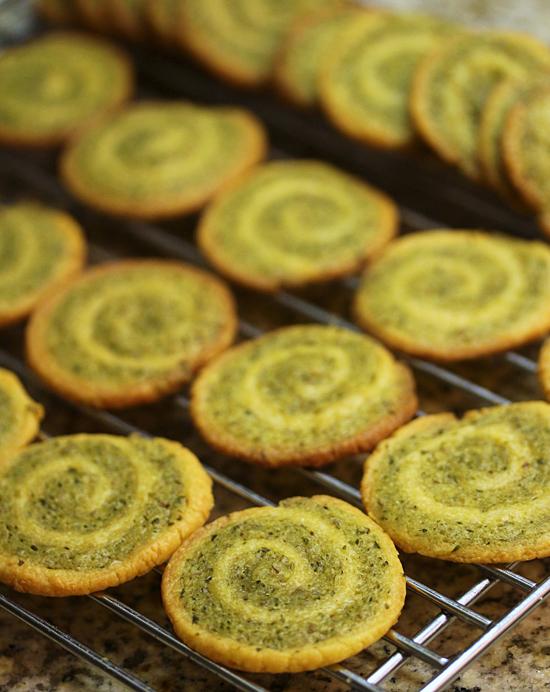 Cheddar Garlic Crackers 5