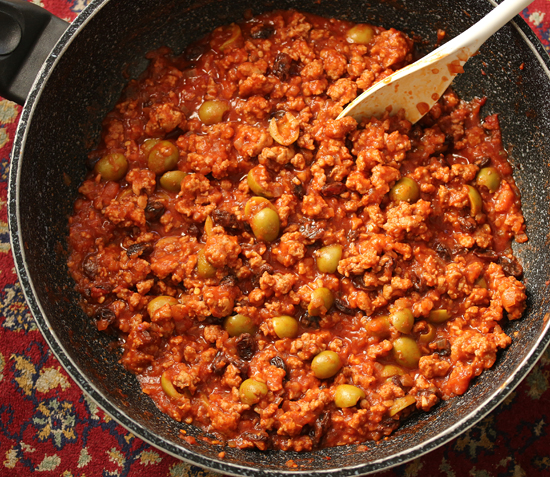 Picadillo with Green Olives and Raisins 2