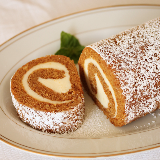 Pumpkin Roll Cake w Cream Cheese Filling 5