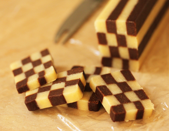 9 Black and White Checkerboard Cookies