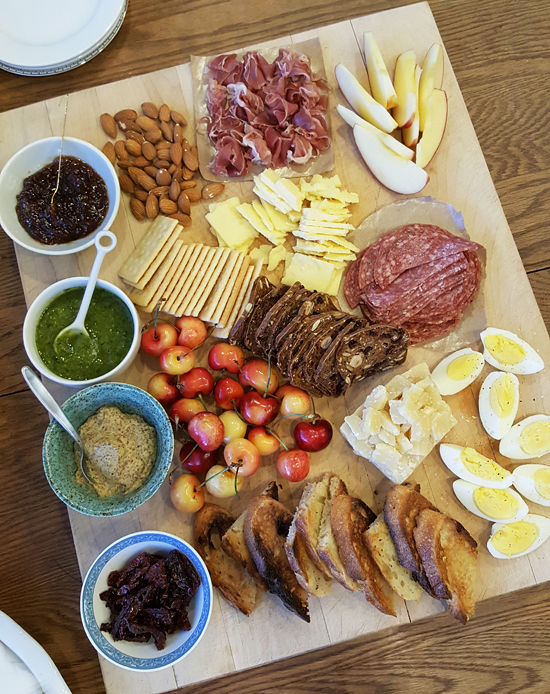 Post image for Summer Party Appetizer Board